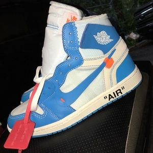 Off white 1s UNCs size 8